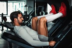 My must-have leg workouts in your leg day routine will ensure you're working every muscle in your legs to produce results ASAP. No chicken legs. Lily Collins, Kelly Brook, Bodybuilder, Triathlon Strength Training, Leg Workouts For Mass, Leg Day Routine, Best Thigh Exercises, Muscular Legs, Strong Legs