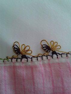 İğne oyası örnekleri (alıntı) Drawn Thread, Thread Work, Needle Lace, Bobbin Lace, Crochet Unique, Crazy Quilt Stitches, Japanese Embroidery, Tatting Lace, Quilt Stitching