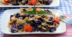 Spaghetti is delicious, but pasta deserves more than plain ol' marinara. Try this unique mix for a tastier lunch or dinner. https://greatist.com/eat/recipes/whole-wheat-farfalle-cabbage-and-pepper