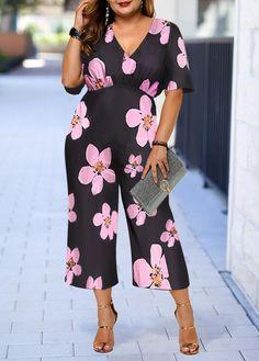 Rosewe Women Plus Size Jumpsuit Black V Neck Floral Printed Wide Leg V Neck Flower Print Plus Size Jumpsuit Plus Size Summer Outfit, Plus Size Outfits, Summer Outfits, Summer Clothes, Casual Outfits, Plus Size Jumpsuit, Plus Size Belts, Printed Jumpsuit, Swim Dress