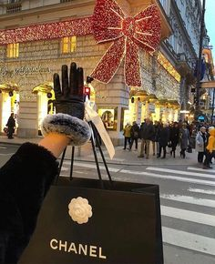 Watch live girls for free @ Freebestcams . Boujee Lifestyle, Luxury Lifestyle Fashion, Wealthy Lifestyle, Christmas In The City, Christmas Shopping, Christmas Decor, Merry Christmas, A New York Minute, Boujee Aesthetic