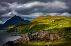 Elgol e Blaven, no Verão, Isle of Skye.  Escócia.  por photosecosse / barbara jones