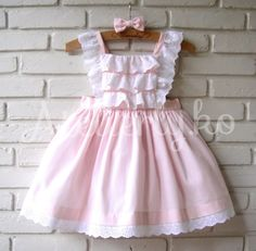 Frocks For Girls, Little Dresses, Little Girl Dresses, Girls Dresses, Baby Girl Fashion, Kids Fashion, Smocked Baby Clothes, Baby Girl Dress Patterns, Cute Outfits For Kids