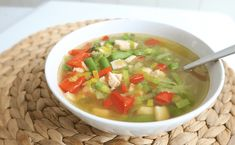 Koolhydraatarme groentesoep Guacamole, Salsa, Food And Drink, Healthy Eating, Mexican, Ethnic Recipes, Drinks, Eating Healthy, Drinking
