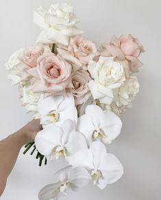 Orchid Bridal Bouquets, White Wedding Bouquets, Bridesmaid Flowers, Bride Bouquets, Bridal Flowers, Flower Bouquet Wedding, Floral Wedding, Wedding Table Flowers, Wedding Flower Arrangements