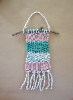 Weaving with kids. I've been a wee bit obsessed with weaving lately (ha ha), ever since May when I saw these beautiful pieces made by Rachel Denbow. After seeing cardboard loom Diy For Kids, Crafts For Kids, Fun Crafts, Arts And Crafts, Weaving For Kids, Weaving Projects, Art Projects, Art Lessons Elementary, Crafty Kids