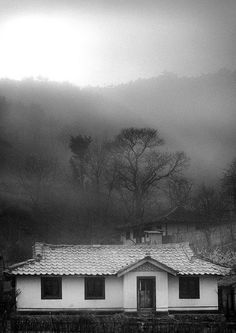 Farmers house in the countryside - North Korea - Photo by Eric Lafforgue