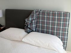 How to Make a Headboard Slipcover with No-Sew Piping - easy and temporary bedroom change - Merriment Design - Diy kopfteil Slipcovered Headboard, Ikea Headboard, Headboard Cover, Leather Headboard, Headboards For Beds, Slipcovers, Headboard Ideas, Floating Headboard, Headboard Makeover