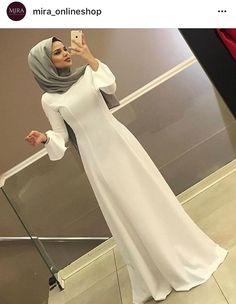 Burka Fashion, Modest Fashion Hijab, Modern Hijab Fashion, Muslim Women Fashion, Arab Fashion, Fashion Dresses, Hijabi Gowns, Hijab Dress Party, Asian Bridal Dresses