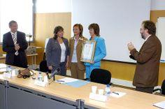 Biblioteca Hypatia de Alejandría. Entrega de la Certificación AENOR Norma UNE-EN ISO 9001:2000 (3/10/2006)