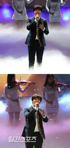 """Jung Yong Hwa at 51st Paeksang Arts Awards (2015) sing """"One Fine Day"""""""