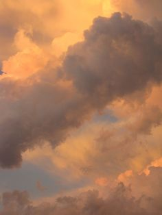 The Happy Cottage Aesthetic Light, Orange Aesthetic, Beige Aesthetic, Aesthetic Colors, Aesthetic Vintage, Aesthetic Photo, Aesthetic Pictures, Aesthetic Fashion, Cloud Wallpaper