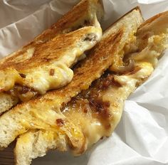 The Killer Melt Truck - Bacon jam, caramelized onion, muenster and cheddar melt #NationalGrilledCheeseDay