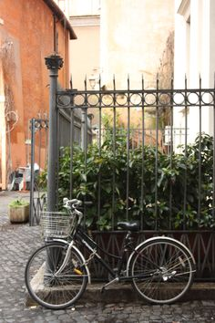 Piazza di Giovanni della Malva #Rome #Bike #bicycle