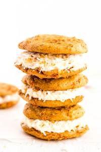 Pumpkin Whoopie Pies - Food, Folks and Fun Red Velvet Whoopie Pies, Pumpkin Whoopie Pies, Pumpkin Cookies, Pumpkin Deserts, Pumpkin Recipes, Fall Recipes, Coconut Recipes, Baking Recipes, Cookie Recipes