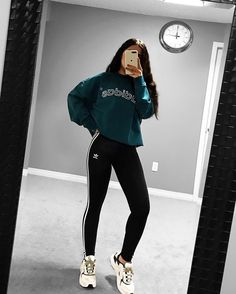 Awesome Adidas Legging Outfits Ideas to Steal - Outfits with leggings Style Outfits, Chill Outfits, Dance Outfits, Cute Casual Outfits, Shoes Style, Nike Fashion, Teen Fashion Outfits, Outfits For Teens, Sporty Fashion
