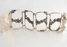 Lois Hill was the first silversmith to use bubbles in her rings, necklaces and bracelets. Lois Hill, Bubbles, Jewels, 3d, Bracelets, Rings, Silver, Bangles, Jewelery