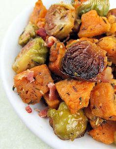 Roasted Brussels Sprouts, Sweet Potatoes and Bacon ... (Of met pompoen in plaats van zoete aardappel?)