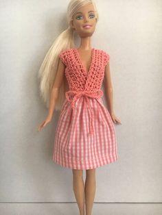 Handmade Barbie Clothes, Barbie Doll Clothes, White and Peach Skirt, Peach Wrap Around Crochet Top Crochet Barbie Clothes, Crochet Dolls, Crochet Patterns Amigurumi, Cute Crochet, Crochet Top, Peach Skirt, Barbie Dolls, Barbie Stuff, Crochet Designs
