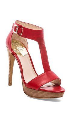 Pretty red sandal http://rstyle.me/n/nanxhnyg6