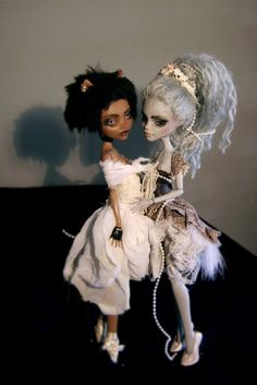 Custom Monster High Clawdeen and Ghoulia by ~Kayke on deviantART