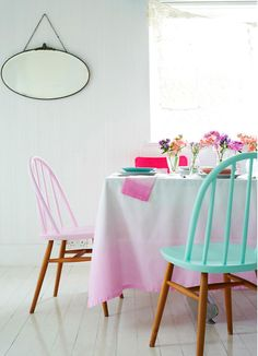 Half painted chairs and ombre table cloth Painted Chairs, Painted Furniture, Diy Furniture, Wooden Chairs, Dipped Furniture, Kitchen Furniture, Kitchen Interior, Kitchen Design, Painted Wood