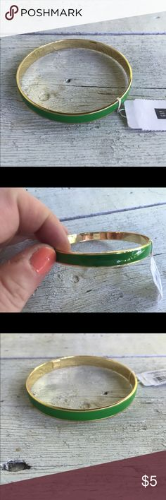 GAP Bracelet Kelly Green Bangle Kelly green and gold tone bangle bracelet. This is from the gap. It still has the original tag. Great condition. GAP Jewelry Bracelets