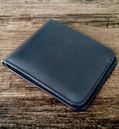Minimalist leather wallet, made of genuine cow leather, handmade production. Shipped from France all around the world Minimalist Leather Wallet, Leather Accessories, Cow Leather, Zip Around Wallet, France, Handmade, Blue, Etsy, Unique Jewelry