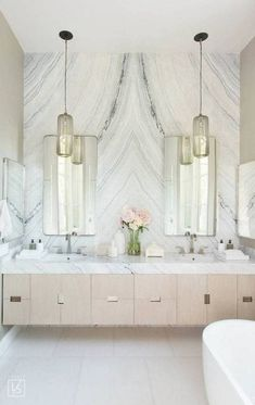 You can get here the inspiration you need to change your bathroom. Discover more at maisonvalentina.net