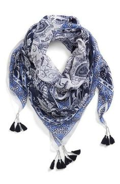 Scarf with tassels ~ love