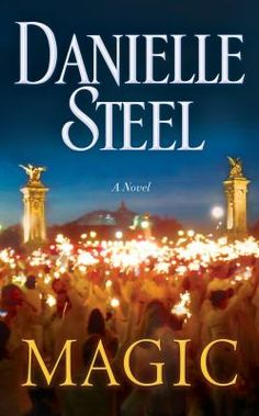 """A dazzling contemporary novel that vividly portrays the glamorous White Dinners that occur annually in Paris, and the ups and downs of three interconnected couples for whom the dinners have become a tradition, from #1 """"New York Times"""" bestselling author Danielle Steel."""