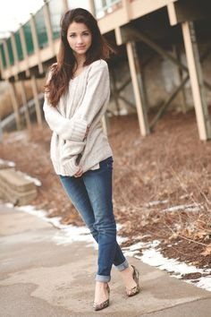 chunky sweater and skinny jeans :)