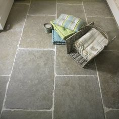 Limestone flooring hereford Old Farmhouse Green Limestone