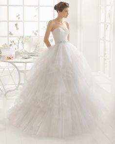 vestido de noiva MEL de AIRE BARCELONA 2016 estilo princesa com saia em camadas de tule 1