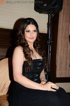 HQ: Bollywood Actress Zarine Khan Hot Sexy and Stunning Bollywood Celebrities, Bollywood Actress, Zarine Khan Hot, Celebrity Hairstyles, Actress Photos, Indian Actresses, Photo Galleries, Sexy Women, Celebs