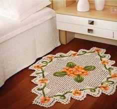 Tapete de Crochê com fio Barroco. A Circulo oferece receita e gráficos.