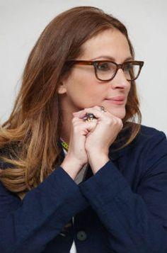 Julia Roberts  Famous Frames: Celebrity Reading Glasses