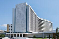 Την έναρξη της διαδικασίας πώλησης του πλειοψηφικού ποσοστού συμμετοχής της (97,3%) στο μετοχικό κεφάλαιο της «Ιονικής Ξενοδοχειακαί Επιχειρήσεις Α.Ε.», ιδιοκτήτριας εταιρείας του ξενοδοχείου Athen…