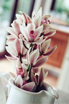 Bouquets   Garlands   Flowers