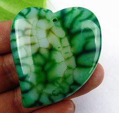Beautiful green heart Dragon Veins Agate pendant bead c375