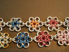 Japanse bloem chainmail armband. FB: Tessa's chainmail workshops