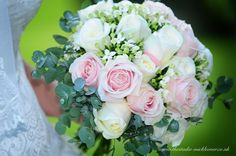 Pretty summer wedding flowers http://www.thestudio-mickleover.co.uk