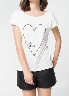 T-shirt coração bordada