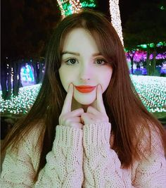 White Shirt Outfits, Cute Girl Outfits, Uzzlang Girl, Girl Face, Photo Poses For Boy, Cute Young Girl, Beautiful Girl Photo, Girls Dpz, Korean Model