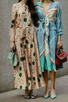 pretty midi dresses with sash - Look - Fashion Fast Fashion, Look Fashion, Trendy Fashion, Fashion Show, Fashion Outfits, Fashion Trends, Fashion Clothes, Fashion Vintage, Quirky Fashion