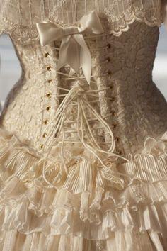 corset vintage Beautiful lace corset, Burlesque costume, The Costume Shop, Melbourne. Vestidos Vintage, Vintage Dresses, Vintage Outfits, Vintage Fashion, Corset Costumes, Burlesque Costumes, Burlesque Corset, Sexy Corset, Lace Corset