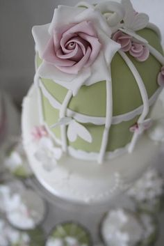 Cotton & Crumbs Green Birdcage Cake