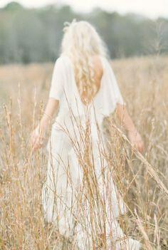 Thanksgiving Wedding Inspiration - Feast in the Field | Wedding Sparrow | Sleepy Fox Photography