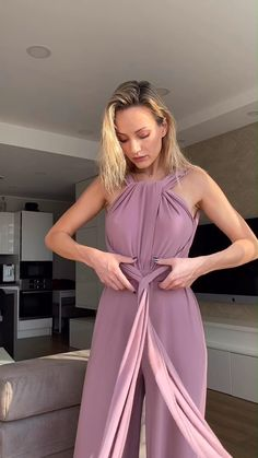 Jumpsuit Style, Pink Jumpsuit, Old Fashion Dresses, Diy Fashion Hacks, Convertible Dress, Athleisure Outfits, Jumpsuit Pattern, Handmade Clothes, Jumpsuits For Women
