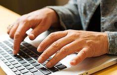 Na internet existem diversos sites que pagam para escritores escreverem textos sobre assuntos variados. Veja abaixo alguns destes sites ...